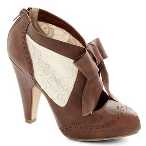 Vintage Bow Bootie Heels with Lace Detail